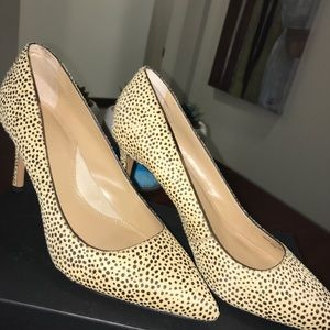 Banana republic Madison camel hair speckled pumps